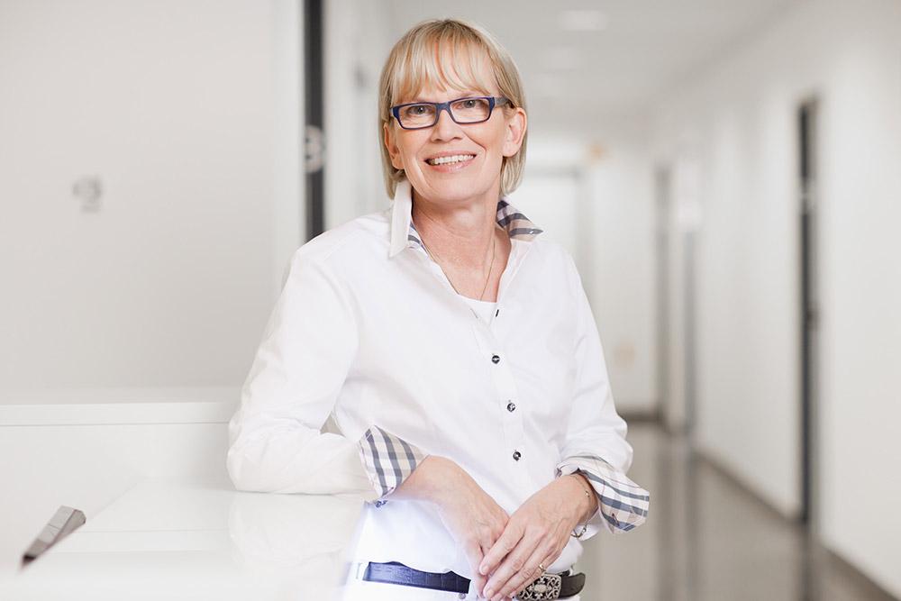 Dr. Katja Schnier